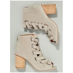 Anthropologie Jeffrey Campbell Salazar Shooties